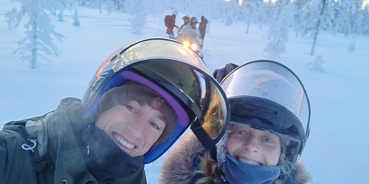 Zelf sneeuwscooters huren in Lapland